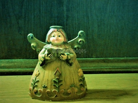天使の女の子の写真素材 [FYI02992105]