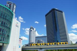 大阪南港のニュートラムの写真素材 [FYI02992203]