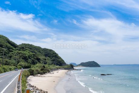 福岡の海岸沿いドライブコースの写真素材 [FYI02992593]