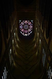 聖ヴィート大聖堂のステンドグラス窓の写真素材 [FYI02992974]