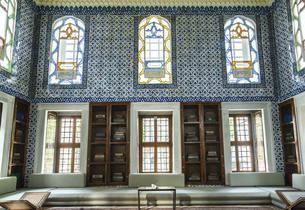 トプカプ宮殿の図書館内部風景の写真素材 [FYI02993275]