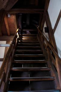 丸亀城内部の階段の写真素材 [FYI02993662]