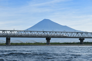 富士山と新幹線の写真素材 [FYI02994254]