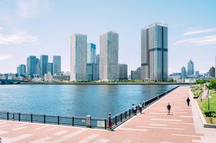 晴天の東京湾岸エリアの写真素材 [FYI02994289]