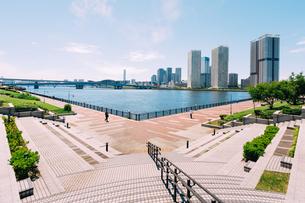 晴天の東京湾岸エリアの写真素材 [FYI02994290]
