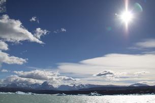 パタゴニアの氷河と青空の写真素材 [FYI02994357]