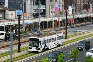 阿倍野筋と阪堺電車の写真素材 [FYI02994460]