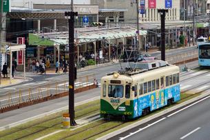 阿倍野筋と阪堺電車の写真素材 [FYI02994461]