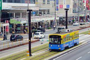 阿倍野筋と阪堺電車の写真素材 [FYI02994463]