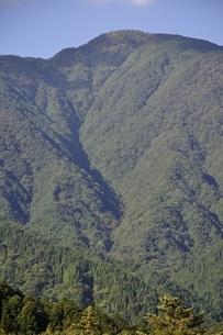 青根から眺める大室山の写真素材 [FYI02995460]