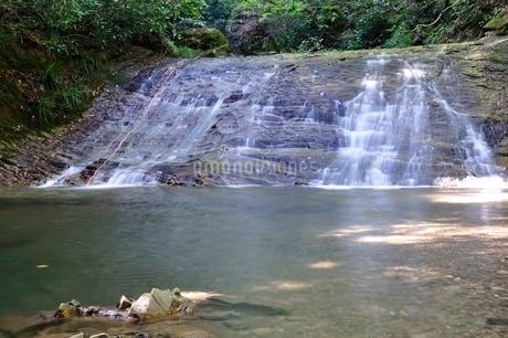 牧馬小滝の写真素材 [FYI02995477]