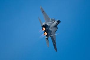 F-15戦闘機 アフターバーナーの写真素材 [FYI02995637]
