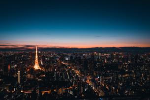夜明けの東京都心の写真素材 [FYI02996333]