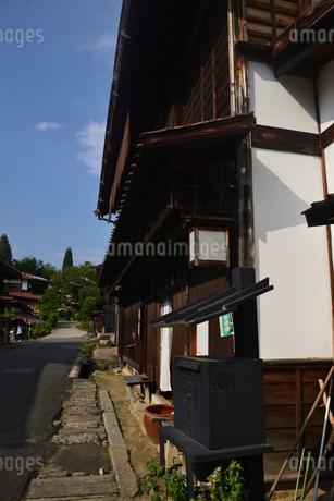 妻籠宿 黒ポストの写真素材 [FYI02996411]