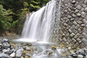 ゴーラ沢出合の堰堤の写真素材 [FYI02996438]
