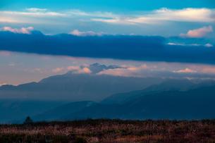 霧ヶ峰高原より南アルプスを望むの写真素材 [FYI02996722]