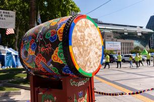 ソウル大漢門の太鼓の写真素材 [FYI02997016]