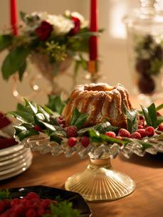 クリスマスのテーブルセッティングの写真素材 [FYI02997918]