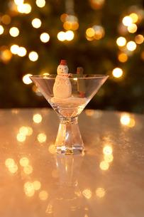 雪だるまのクリスマス飾りの写真素材 [FYI02997955]