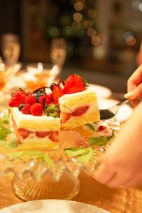 いちごのケーキの写真素材 [FYI02997959]