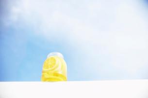 レモンのはちみつ漬けの写真素材 [FYI02998012]