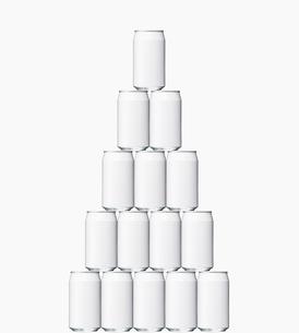 積み上げた空き缶の写真素材 [FYI02998072]
