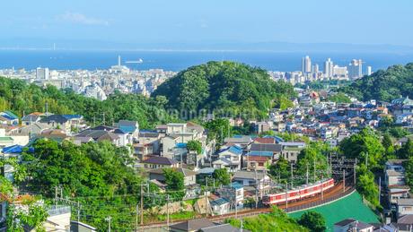神戸市の街並みと神戸電鉄の写真素材 [FYI02998638]
