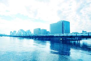 運河と街並の写真素材 [FYI02998812]