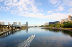 運河と街並の写真素材 [FYI02998821]