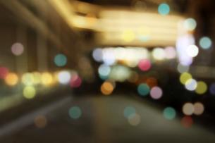 街並みの夜景の写真素材 [FYI02998836]