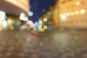 街並みの夜景の写真素材 [FYI02998840]