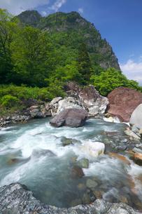 小谷川ヒスイ峡 糸魚川ジオパークの写真素材 [FYI02999661]