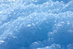 丸く固まった氷の集まりの写真素材 [FYI03000049]