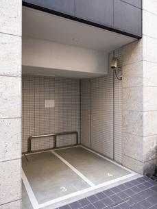 バイク用の駐輪スペースの写真素材 [FYI03003709]