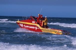 ライフセーバーボート    ゴールドコースト オーストラリアの写真素材 [FYI03004242]