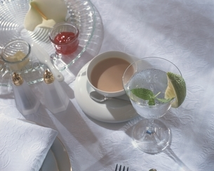 朝食テーブルイメージの写真素材 [FYI03004371]