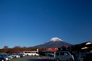 道の駅朝霧高原より望む富士山の写真素材 [FYI03004658]