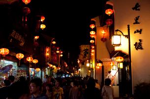 蘇州山塘街の夜景の写真素材 [FYI03004750]