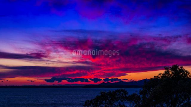 夕暮れの浜名湖の写真素材 [FYI03004901]