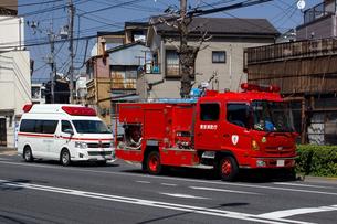 消防車と救急車の写真素材 [FYI03005023]