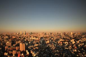 恵比寿より東京タワーを望むの写真素材 [FYI03005034]