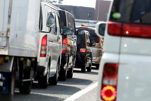 渋滞する首都高速道路の写真素材 [FYI03005170]