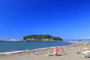 江の島の片瀬東浜海水浴場の写真素材 [FYI03005268]