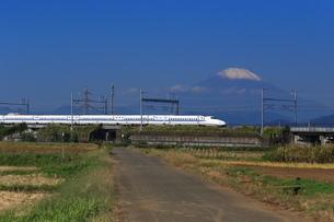 富士山と東海道新幹線の写真素材 [FYI03005331]