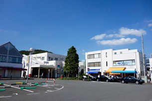 東海道線 二宮駅の写真素材 [FYI03005393]