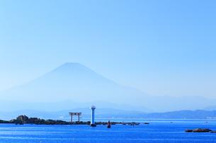 神奈川県,葉山灯台と富士山の写真素材 [FYI03005435]