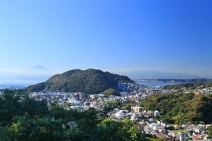 神奈川県,富士山の見える葉山の住宅街の写真素材 [FYI03005481]