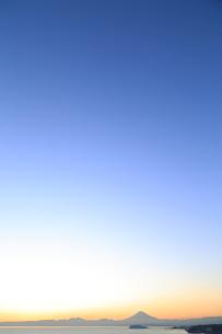 富士山と江の島の写真素材 [FYI03005482]