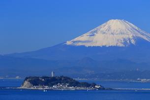 湘南の江の島と富士山の写真素材 [FYI03005513]