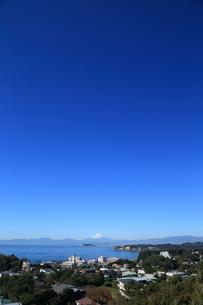 湘南の江の島と富士山の写真素材 [FYI03005524]